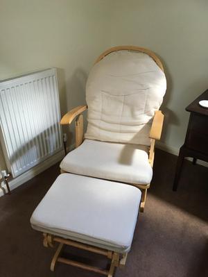 Hebebe nursing chair