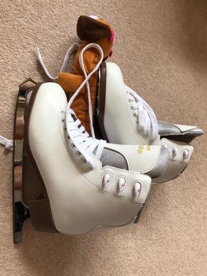 Ice Skates, size 38