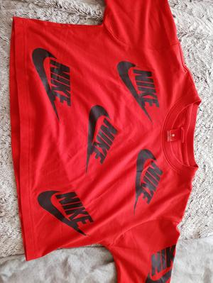 cropped nike t shirt size small
