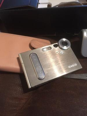Casio EXILIM EX-S3 3.2 Mega Pixel Digital Camera with 4 x digital zoom