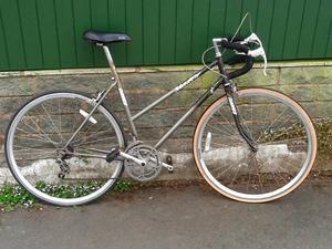 GONE DAWES Ladies Grey Road Bike Bargain