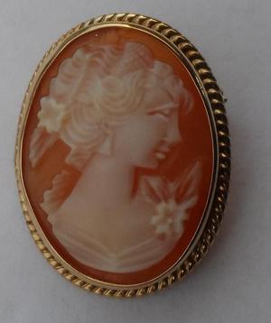 Vintage 9ct Gold Shell Cameo Pendant/Brooch c's
