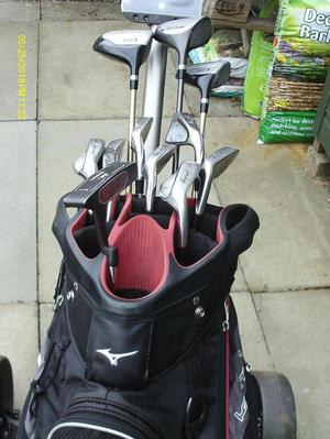 MENS RIGHT HAND GOLF CLUBS FULL SET WITH BAG & TROLLEY
