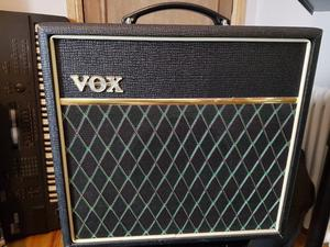 Vox Pathfinder 15 V guitar practice amp in very good condition - price reduced