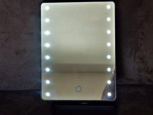 LED Mirror for Dressing Table. with 16 LED Lights with Adjustable Stand NEW UNWANTED GIFT - BARGAIN