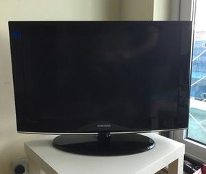 "32""SAMSUNG LCD TV FREEVIEW HD GOOD WORKING ORDER WITH REMOTE CAN DELIVER"