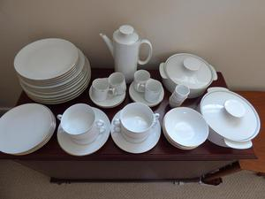 Nearly new bone china dinner service