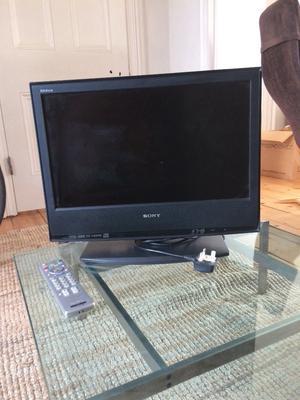"""Sony Bravia 18"""" TV"""
