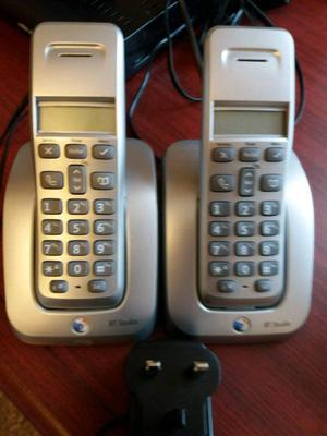 Twin cordless phones in silver very good condition