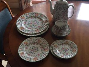 Minton Haddon Hall, complete two person dinner and tea