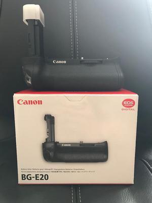 BG-E20 battery grip for Cannon 5D Mark IV - brand new