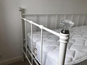 Girls day bed with crystal bed knobs