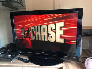 "LG 37"" LCD TV FREEVIEW"