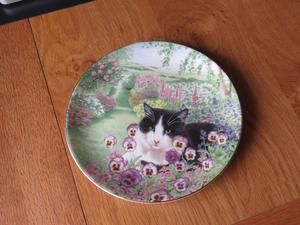 Coalport Fine Bone China Collector Plate - Silent Watcher (Black and White Cat)