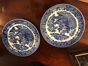Pair of Willow Pattern Plates