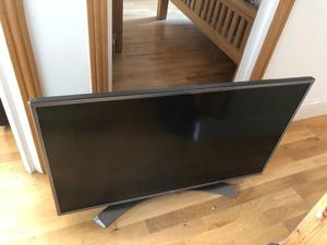 """LG 43"""" 4K ultra hd smart led hdr tv.Excellent condition.perfect working. £280 NO OFFERS.CAN DELIVER"""