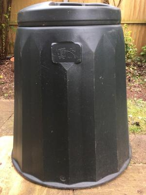 BLACK COMPOST BIN - NEW NEVER USED - 8 CU FT (APPROX. 220L)