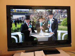 SONY BRAVIA 32 INCH TV, KDL-32V, LCD, 768p HD READY