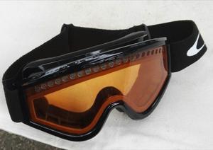 Salomon ski helmet and Okey goggles