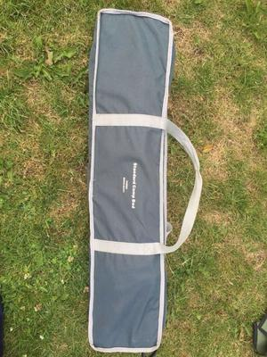 Single folding camp bed.Heavy duty single folding camp bef with organiser.