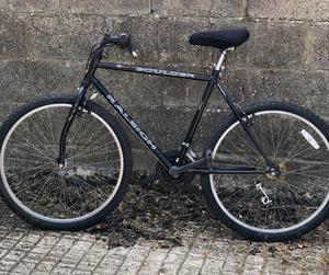 Raleigh black mountain bike