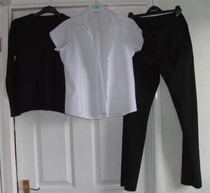 School uniform (black / white)