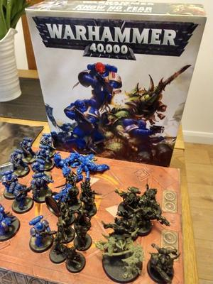 Warhammer 40k Know No Fear Starter Set.. excellent condition !