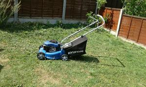 Petrol lawnlower for sale used 4 times