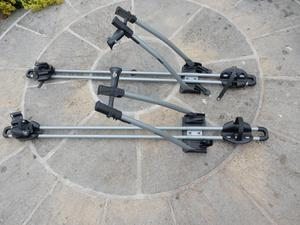 Thule FreeRide 532 twin Pack roof mounted cycle carrier.