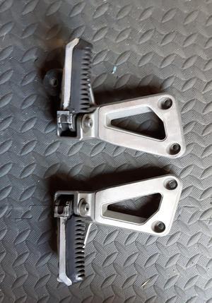 Suzuki  Bandit Footrest Hangers