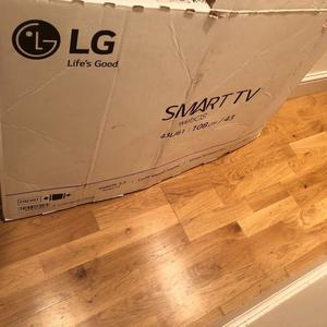 "LG 43"" Full hd smart led tv.few months old. BOXED. Excellent condition £250 NO OFFERS. CAN DELIVER"