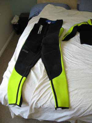Lightweight 2 piece wetsuit, large, with Farmer John breeches and jacket, separate hood and gloves