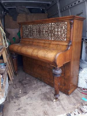 VINTAGE ANTIQUE UPRIGHT PIANO JOHN BRINDSMEAD & SONS PIANO FORTE IN YEOVIL