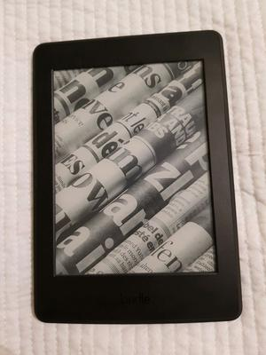 Amazon Kindle Paperwhite ppi) with light and Wi-Fi.