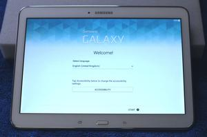 "Samsung Galaxy Tab 4 White 16GB, Wi-Fi, 10.1"" Excellent"