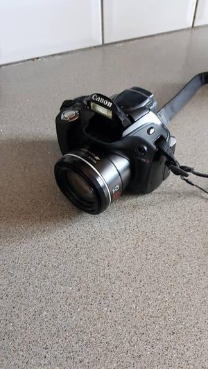 Canon pcmp digital camera 35x zoom 2.7 lcd and changer