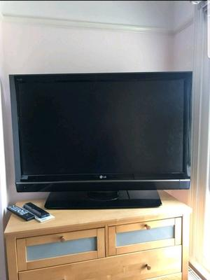 "LG 42"" Led Full HD p, Freeview HD, Delivery"
