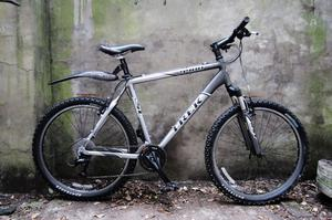 TREK  SLR. 21 inch, 53.5 inch, large size. Aluminium mountain bike, 24 speed
