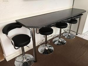 Break bar and 4 x stools