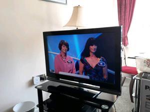 Sony 32 inch Freeview tv with seperate stand.Great condition