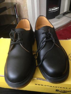 Dr Martens shoes size 5
