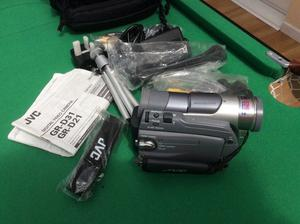 JVC mini Dv camcorder with remote like new