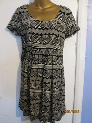 BLACK AND WHITE AZTEC PATTERN DRESS BY H&M SIZE 12 NEW WITHOUT TAGS