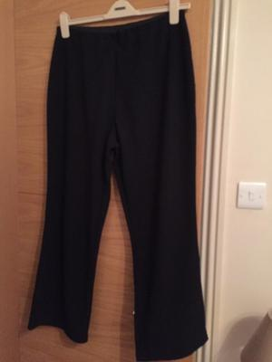 Ladies trousers size 20 black by Ellie Louise