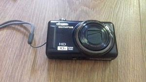 Olympus D-720 HD Digital Camera As new in original box with all accessories