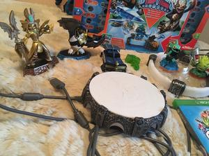 Skylanders Trap Team for XBox One with Game and Accessories