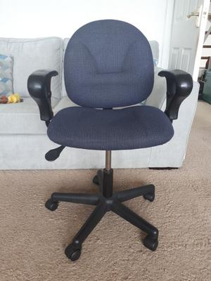 Office / work chair with adjustable height in good condition.