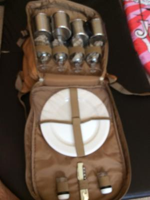 Picnic set for 4 people