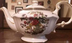 Royal Albert Paragon Tea Pot.