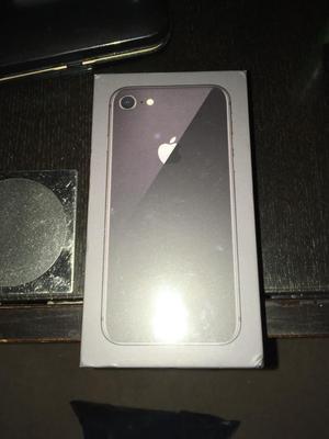 Apple iPhone 8 64GB space grey, on EE